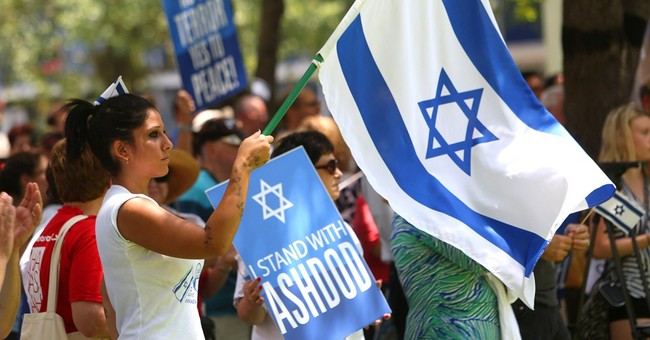 Poll: Unlike Obama and the Media, Americans Stand with Israel