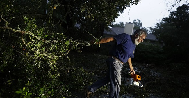 5 dead in Georgia, North Carolina as Hurricane Matthew moves north