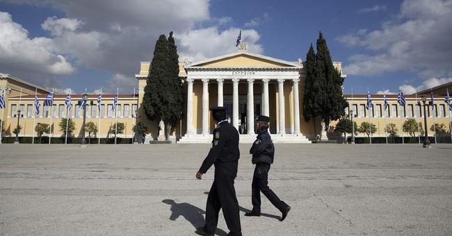 Protesters Riot in Greece Against Obama's Visit