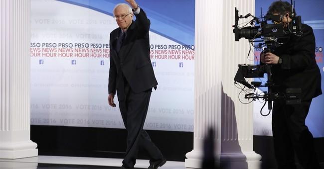 The Latest: Clinton, Sanders wrap up Milwaukee debate
