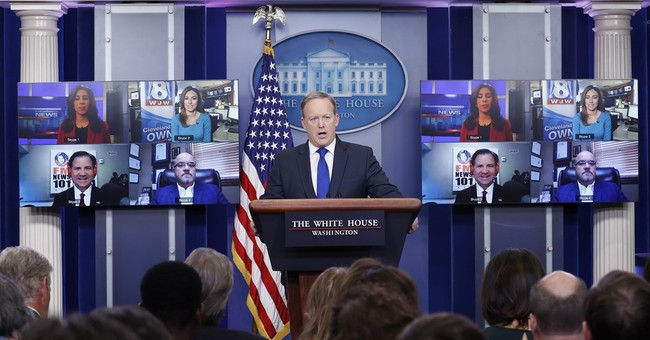 Mike Dubke to be named as White House communications director