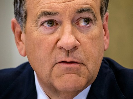 Reminder: Mike Huckabee Granted Clemency to a Criminal Who Murdered Four Police Officers
