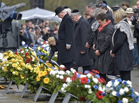 Ceremonies Mark Liberation of Two Nazi Camps 70 Years Ago