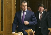 Russia, Crimean politicians discuss referendum