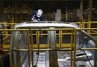 US manufacturing slows as output and hiring weaken