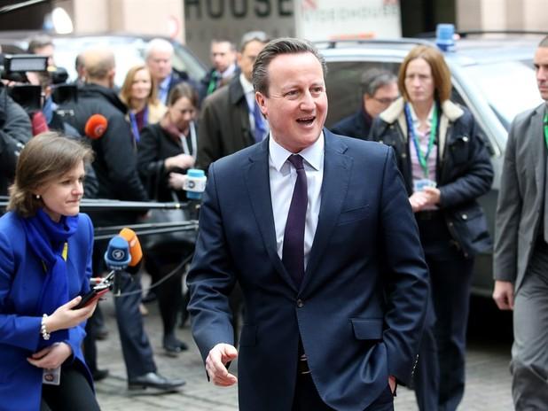 "Cameron ""Won't Change"" View of Trump's Muslim Policies"