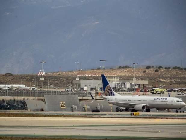 US Plane Examined After Bomb Threat