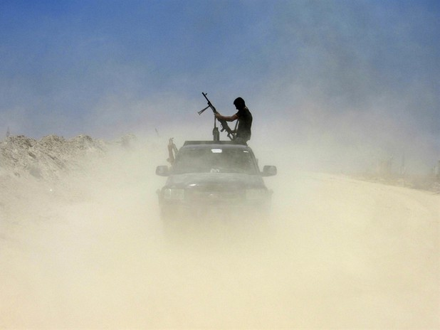 Islamic State Pushes Closer to Turkish Border