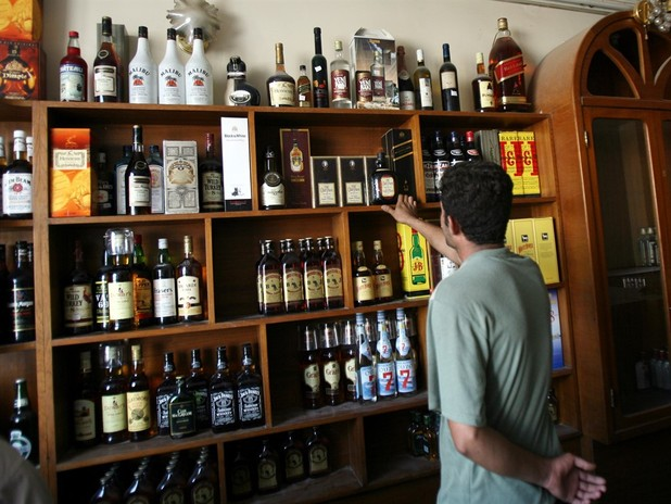 Repeal Of Sunday Liquor Sales Ban Passes House, Moves To Senate