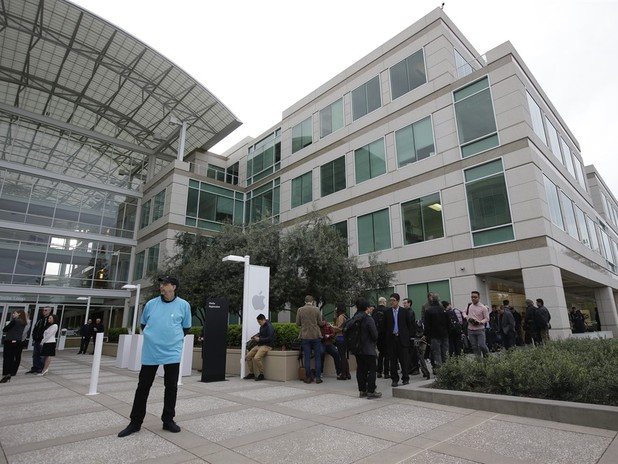 Young Apple Employee Commits Suicide at Company Headquarters