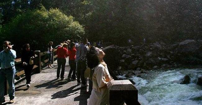 1 hiker dead, another presumed dead in Yosemite