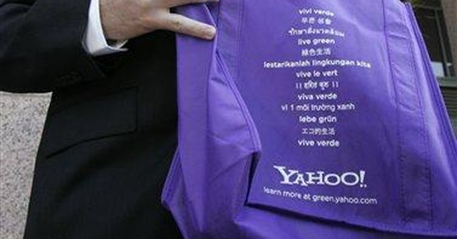 Major Yahoo shareholder launches board challenge