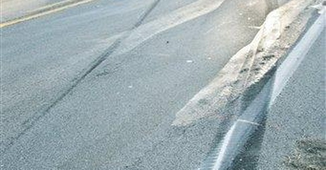 Texas troopers interviewing bus crash survivors