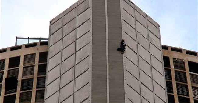 Man climbs NY Times tower, says he wanted a paper