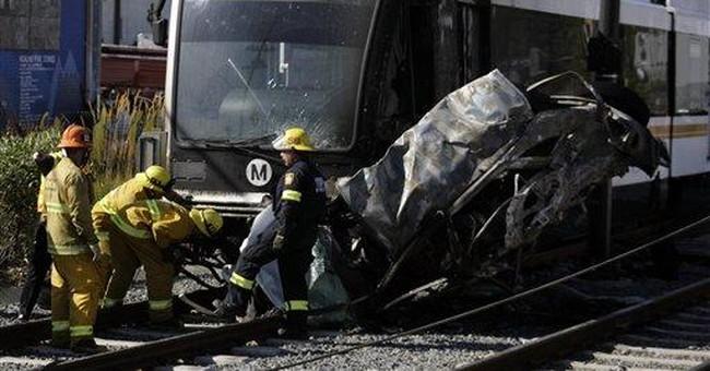 2 teen girls die after being hit by train in Utah