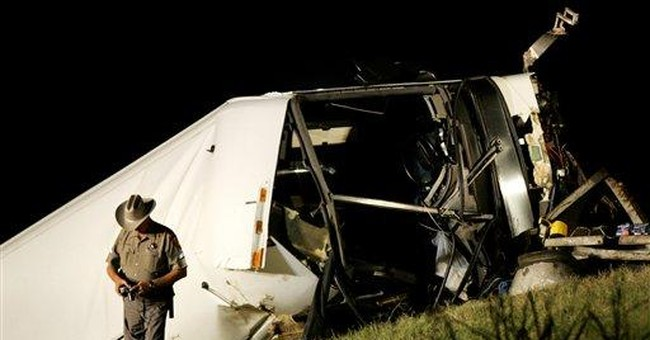 1 passenger dies, 21 injured in SE Texas bus crash