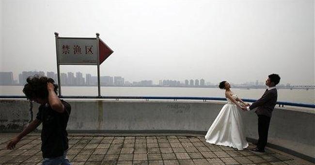 NYC lawsuit over photos seeks to recreate wedding