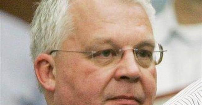 Tribune Co. suspends executive over racy e-mail
