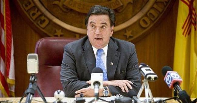 NM governor, husband OK after plane's hard landing