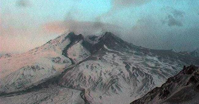 Alaska volcano sends ash plume up to 15,000 feet