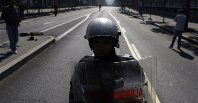 Serb police clash with anti-gay rioters