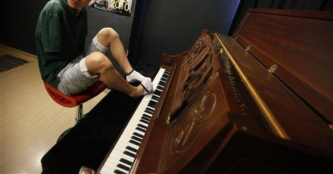 Armless toe pianist wins 'China's Got Talent'