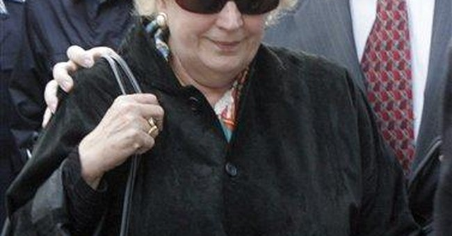 Ex-Getty curator trafficking trial ends in Italy