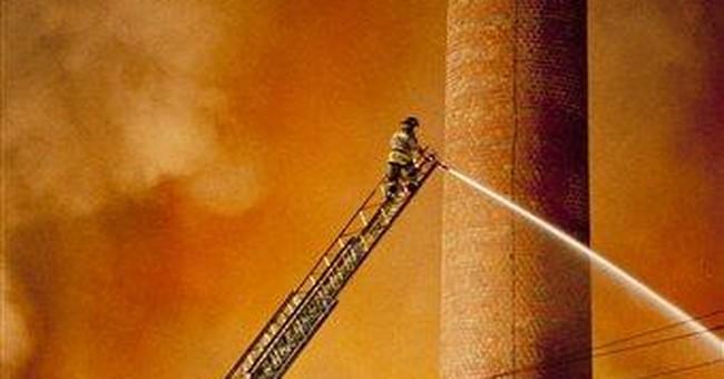 Big fire destroys old Pawtucket, RI, mill
