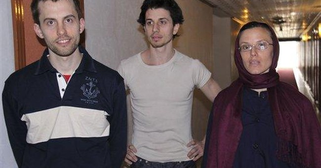 Mom of US hiker jailed in Iran expects Nov. trial