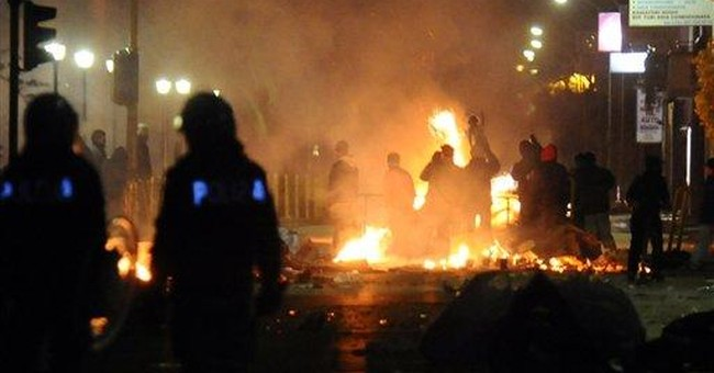 Anti-dump protesters clash with police in Italy
