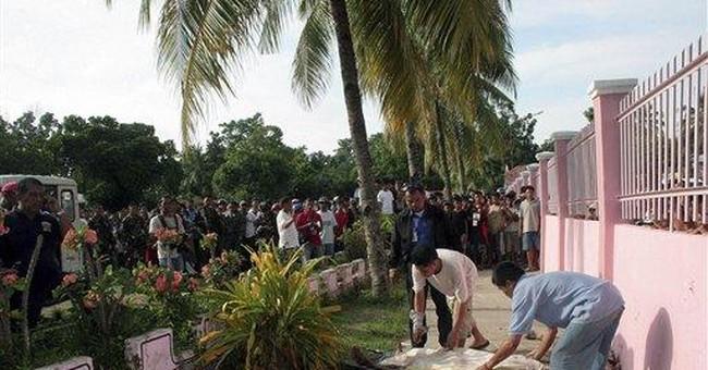 Ex-convict kills 3, wounds 6 in Philippines school