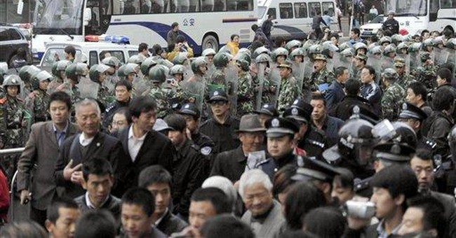 China tries to contain growing anti-Japan protests
