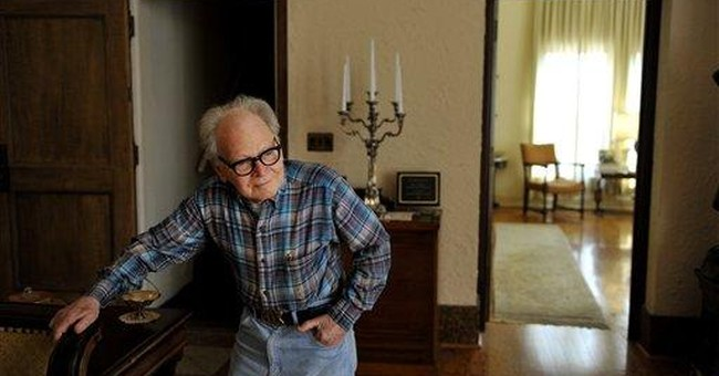 'Phantom of the Fox' fights to stay in apartment