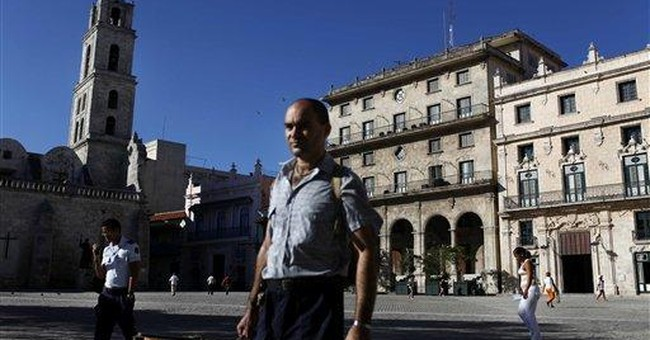 Castro urges Cuban union to accept layoffs