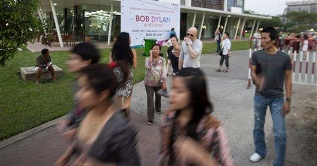 Anti-war icon Bob Dylan jams in a Vietnam at peace