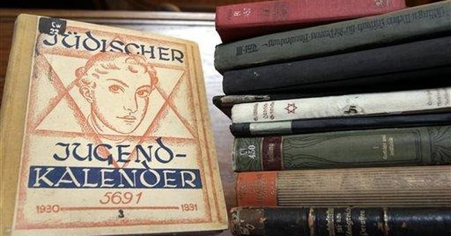 Jewish community given back books stolen by Nazis