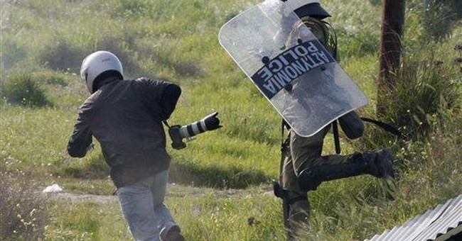 More than 20 hurt in Greek riot over landfill plan