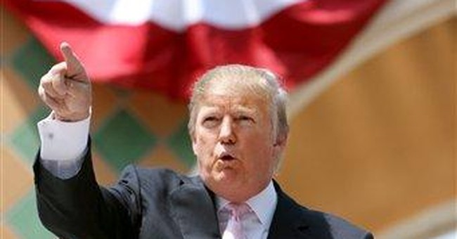Trump plays down Romney's business credentials
