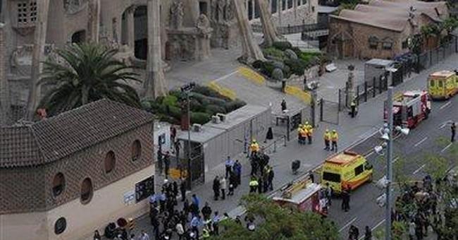 Spain: small fire set at Sagrada Familia basilica