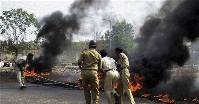 Mob sets fires in protest of India nuclear plant