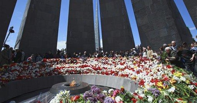 Armenians mourn victims of mass killings by Turks