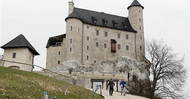 Nostalgic Poles rebuild medieval castles