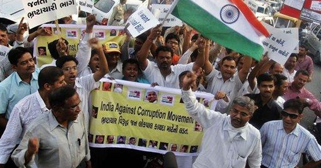 Anger over corruption gets public notice in India
