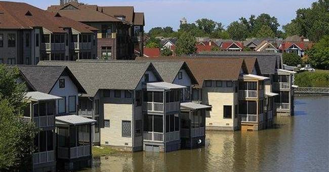 Slow-moving disaster rises along Mississippi River
