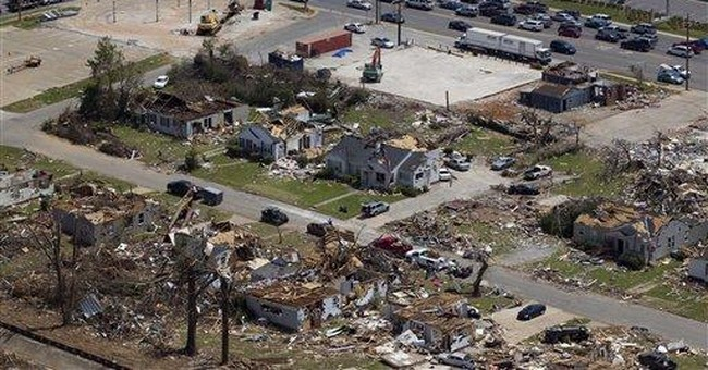 Volunteers flood tornado-tossed Tuscaloosa, Ala.