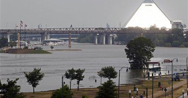 More evacuations in Memphis as Mississippi rises