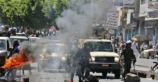 Yemeni troops open fire at protest march, kill 3