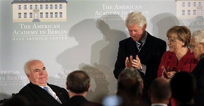 Bill Clinton pays tribute to Germany's Kohl