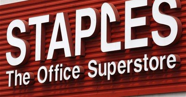 Staples cuts outlook, 1Q results disappoint