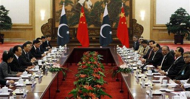 Pakistan, China premiers meet amid tension with US